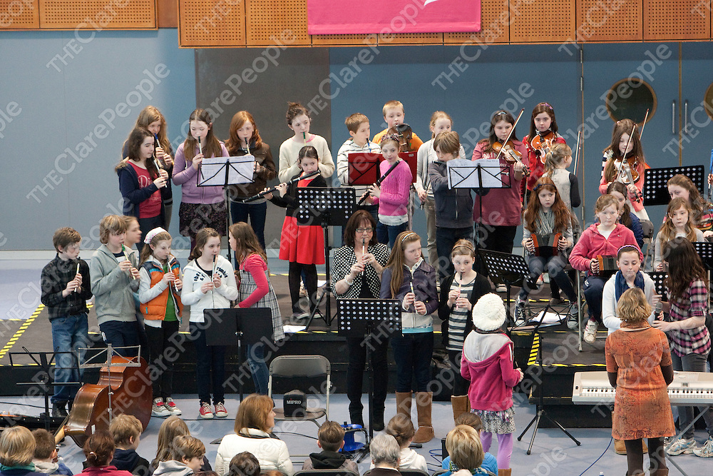 Knockanean National School playing in the School Concert held in the Departure area of Shannon International Airport.<br /> Pictured Credit Brian Gavin Press 22