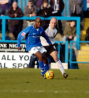 Photo: Leigh Quinnell.<br /> Chesterfield v Southend United. Coca Cola League 1. 18/02/2006. Chesterfields Paul Hall gets away from Southends Adam Barrett.