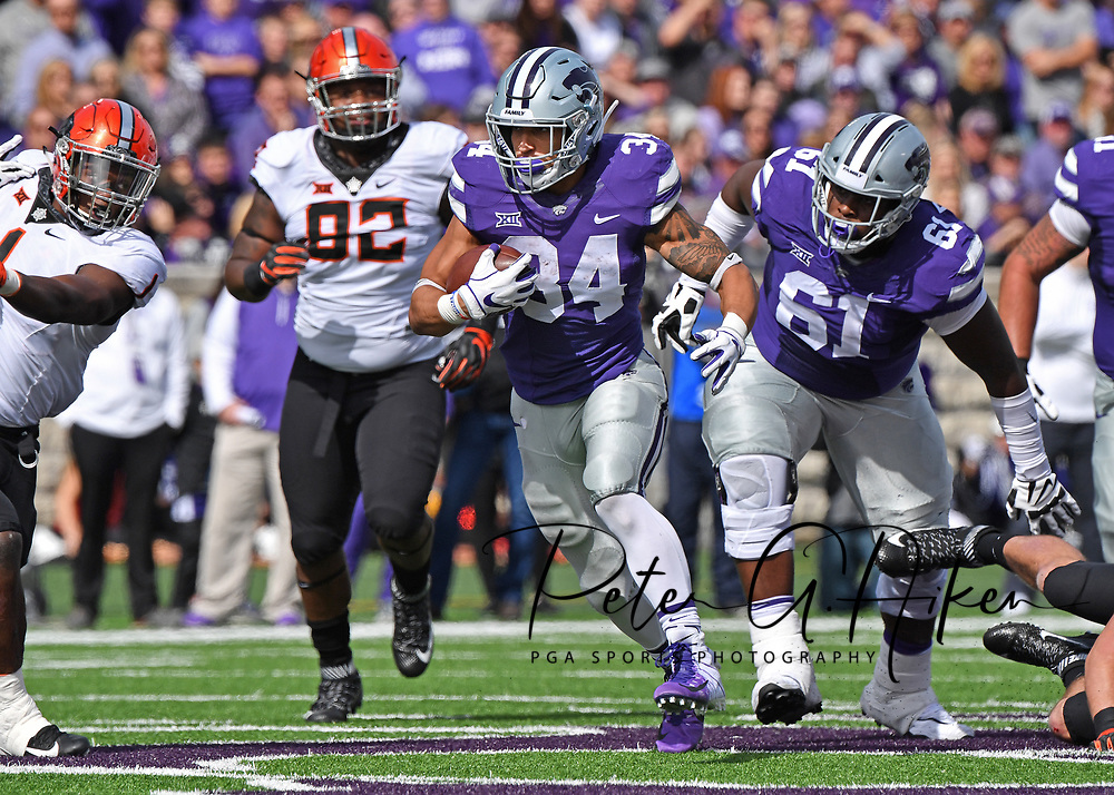 MANHATTAN, KS - OCTOBER 13:  Running back Alex Barnes #34 of the Kansas State Wildcats runs up field during the first half against the Oklahoma State Cowboys on October 13, 2018 at Bill Snyder Family Stadium in Manhattan, Kansas.  (Photo by Peter G. Aiken/Getty Images) *** Local Caption *** Alex Barnes