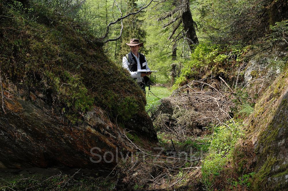 Wolfgang Hofbauer (Moose, aerophyt. Algen) GEO-Tag der Artenvielfalt im Nationalpark Hohe Tauern 2013. Österreich.