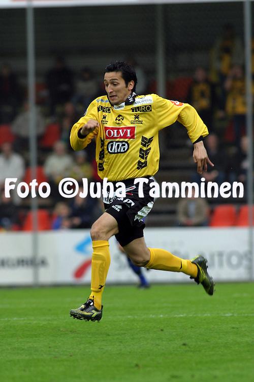 25.05.2003, Tammelan Stadion, Tampere, Finland..Veikkausliiga 2003 / Finnish League 2003.Tampere United v Kuopion Palloseura.Cesar Pacha - KuPS.©Juha Tamminen