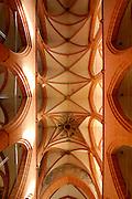 Heidelberg..Heiliggeistkirche innen, Decke der Hallenkirche