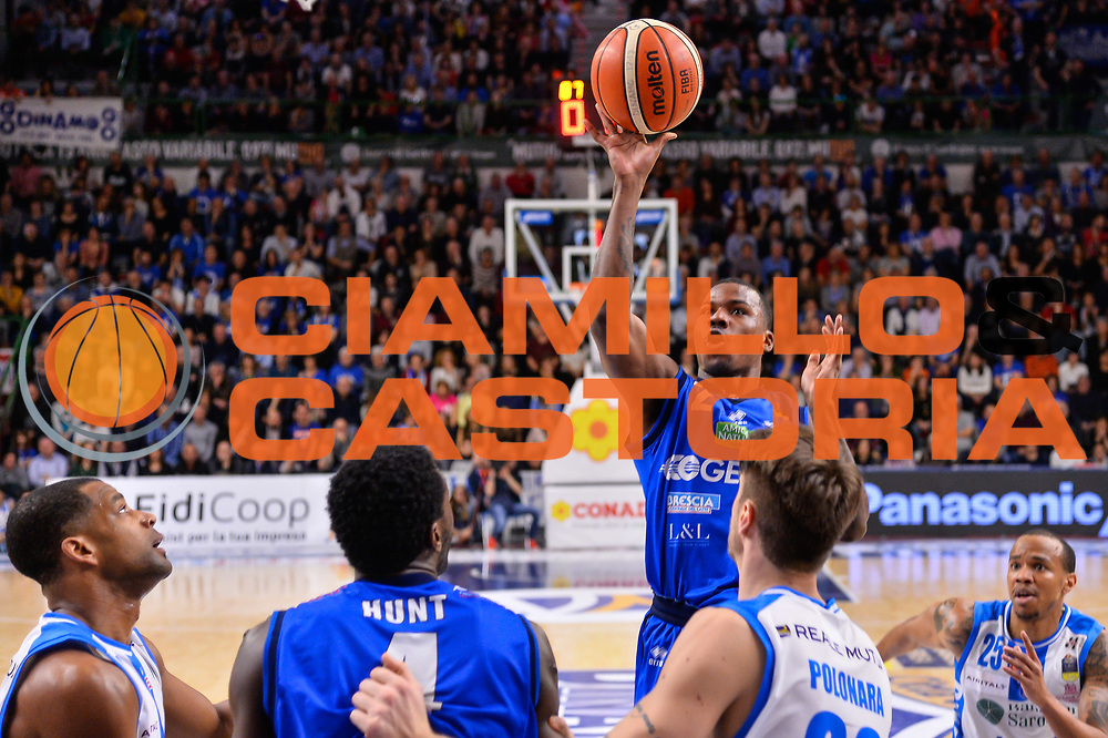 Lee Moore<br /> Banco di Sardegna Dinamo Sassari - Germani Basket Leonessa Brescia<br /> Legabasket Serie A LBA PosteMobile 2017/2018<br /> Sassari, 08/04/2018<br /> Foto L.Canu / Ciamillo-Castoria