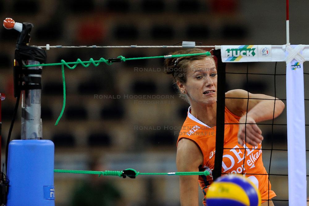 30-09-2009 VOLLEYBAL: EUROPEES KAMPIOENSCHAP NEDERLAND - BELGIE: LODZ<br /> Nederland is groepswinnaar en wint opnieuw. Belgie wordt met 3-0 verslagen / Maret Grothues<br /> &copy;2009-WWW.FOTOHOOGENDOORN.NL