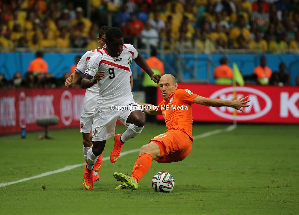 Fifa Soccer World Cup - Brazil 2014 - <br /> NETHERLANDS (NED) Vs. COSTA RICA (CRC) - Quarter-finals -Arena Fonte Nova Salvador (BRA)- Brazil (BRA) - 05 July 2014 <br /> Here Holland player Arjen ROBBEN (C). Costa Rican player Joel CAMPBELL (L)<br /> &copy; PikoPress