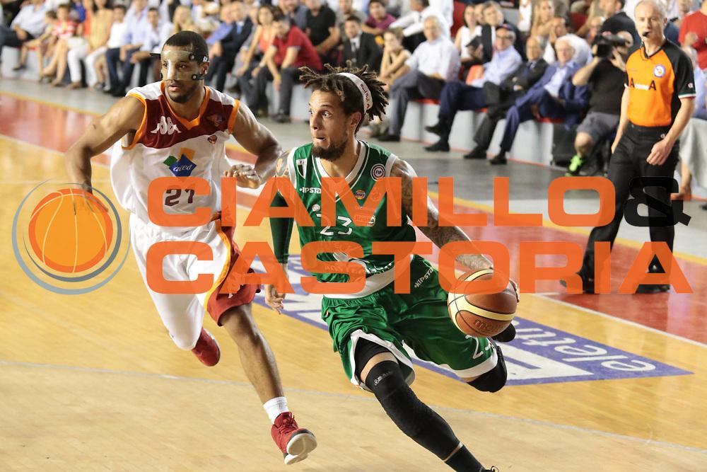 DESCRIZIONE : Roma Lega A 2012-2013 Acea Roma Montepaschi Siena finale gara 5<br /> GIOCATORE : Daniel Hackett<br /> CATEGORIA : palleggio penetrazione<br /> SQUADRA : Montepaschi Siena<br /> EVENTO : Campionato Lega A 2012-2013 playoff finale gara 5<br /> GARA : Acea Roma Montepaschi Siena<br /> DATA : 19/06/2013<br /> SPORT : Pallacanestro <br /> AUTORE : Agenzia Ciamillo-Castoria/M.Simoni<br /> Galleria : Lega Basket A 2012-2013  <br /> Fotonotizia : Roma Lega A 2012-2013 Acea Roma Montepaschi Siena playoff finale gara 5<br /> Predefinita :