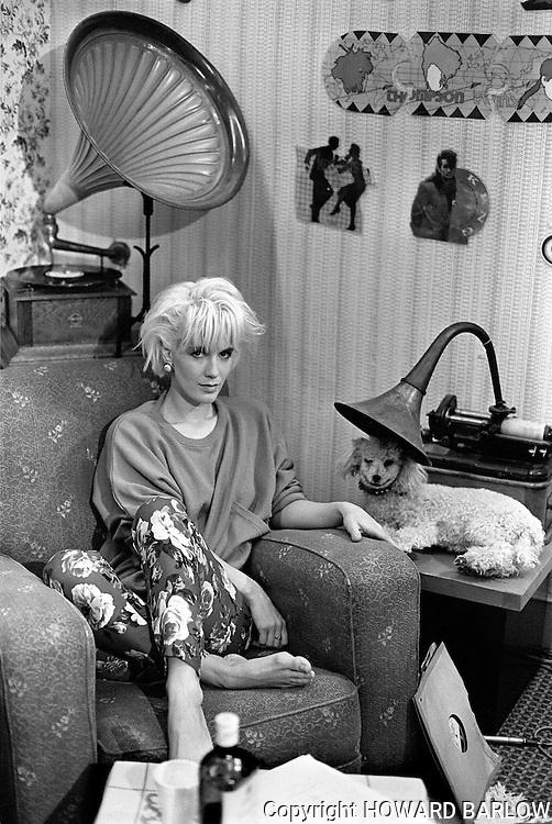 PHOTOGRAPH BY HOWARD BARLOW.PAULA YATES on the set of THE TUBE, Newcastle  1984