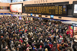 © Licensed to London News Pictures. 10/12/2017. Tring, UK. Thousands of travellers stranded at Euston Station in London following days and heavy cancellations caused by weather condistions. Parts of the south east of England are blanketed with snow for the first time this winter. Photo credit: Ben Cawthra/LNP