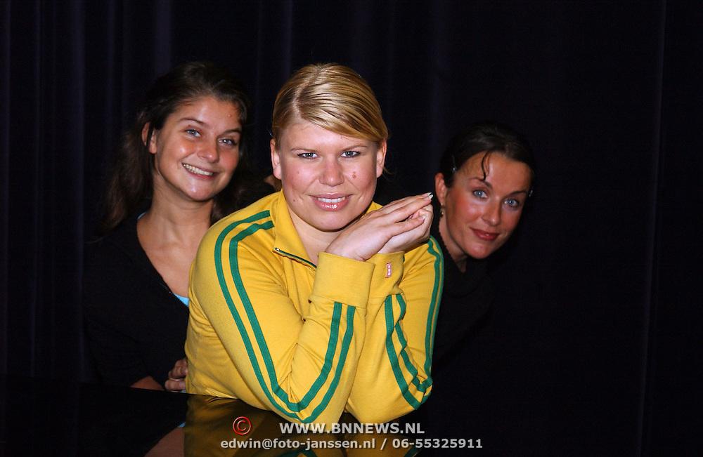 1e Repetitiedag musical Nonsens, Daniela Oonk, Anne Marie Jung en Annick Boer