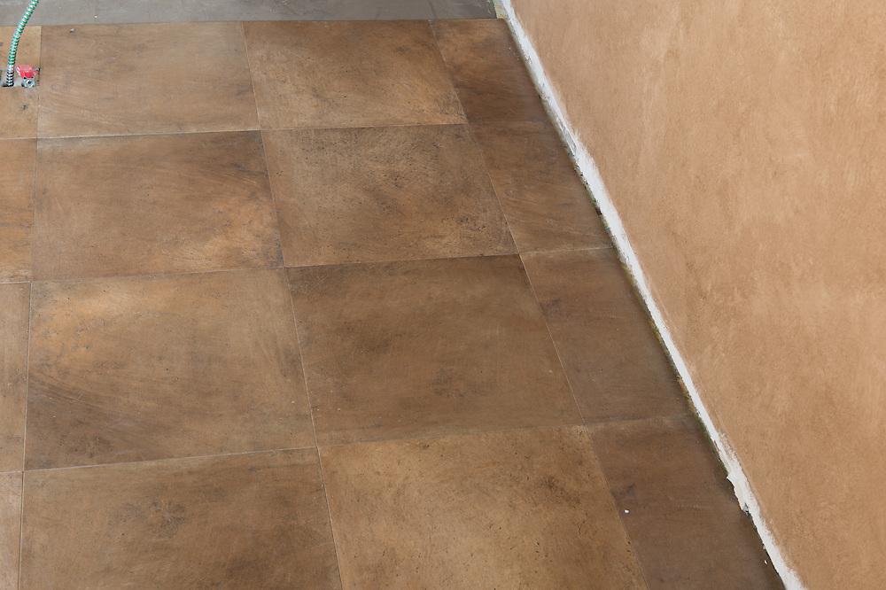 Vinyl tile pattern