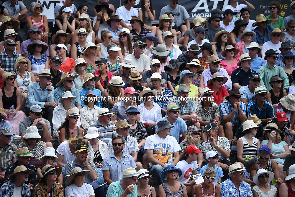 Fans on quarter finals day at the ASB Classic Tennis Men's tournament. ASB Tennis Centre, Stanley st, Auckland, New Zealand. Thursday 14 January 2016. Copyright Photo: Andrew Cornaga / www.photosport.nz