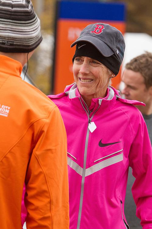 ING New York CIty Marathon: Joan Benoit Samuelson heads for the start line