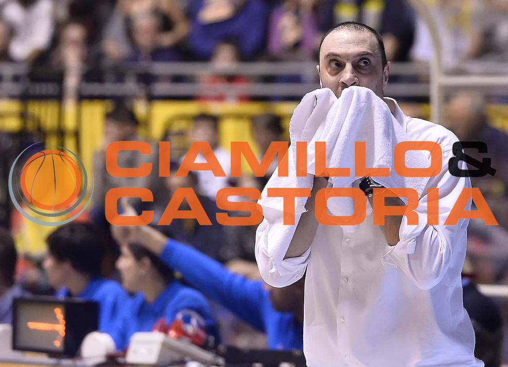 DESCRIZIONE : Torino Auxilium Manital Torino Giorgio Tesi Group Pistoia<br /> GIOCATORE : Vincenzo Esposito<br /> CATEGORIA : allenatore coach delusione<br /> SQUADRA : Giorgio Tesi Group Pistoia<br /> EVENTO : Campionato Lega A 2015-2016<br /> GARA : Auxilium Manital Torino Giorgio Tesi Group Pistoia<br /> DATA : 07/12/2015 <br /> SPORT : Pallacanestro <br /> AUTORE : Agenzia Ciamillo-Castoria/R.Morgano<br /> Galleria : Lega Basket A 2015-2016<br /> Fotonotizia : Torino Auxilium Manital Torino Giorgio Tesi Group Pistoia<br /> Predefinita :