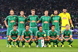 19.08.2015, Ernst Happel Stadion, Wien, AUT, UEFA CL, SK Rapid Wien vs Schachtjor Donezk, Playoff, Hinspiel, im Bild 1. Reihe v.l.: Stephan Auer (SK Rapid Wien), Mario Pavelic (SK Rapid Wien), Steffen Hofmann (SK Rapid Wien), Louis Schaub (SK Rapid Wien), Florian Kainz (SK Rapid Wien), 2. Reihe vl.: Mario Sonnleitner (SK Rapid Wien), Srdjan Grahovac (SK Rapid Wien), Robert Beric (SK Rapid Wien), Christopher Dibon (SK Rapid Wien), Thanos Petsos (SK Rapid Wien), Jan Novota (SK Rapid Wien)// during UEFA Champions League Playoff 1st Leg match between SK Rapid Vienna and FC Shakhtar Donetsk at the Ernst Happel Stadium in Vienna on 2015/08/19. EXPA Pictures © 2015, PhotoCredit: EXPA/ Sebstian Pucher