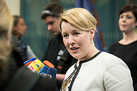 18 FEB 2019, BERLIN/GERMANY:<br /> Franziska Giffey, SPD, Bundesfamilienministerin, waehrend einem Pressestatement zum Thema Unterhaltsvorschuss, Bundesministerium f&uuml;r Familie, Senioren, Frauen und Jugend<br /> IMAGE: 20190218-02-015<br /> KEYWORDS: Mikrofon, microphone, Pressekonferenz