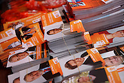 Stand mit Autogrammkarten der CSSD  während dem Wahlkampfauftritt zur Europawahl der Oppositionspartei CSSD in Tschechien im Prager Stadtteil Vinohrady. Prag, Tschechische Republik, den 27.05.2009, Foto: Björn Steinz