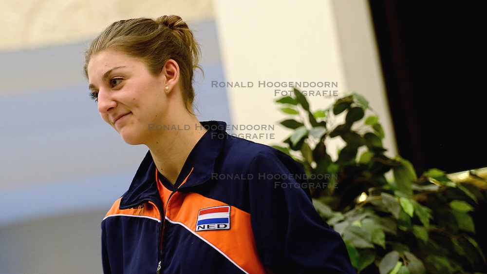 05-01-2016 TUR: European Olympic Qualification Tournament Persmoment, Ankara <br /> In het spelershotel was er een moment voor de pers / Anne Buijs #11 geïnterviewd door telegraaf media