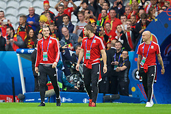 LILLE, FRANCE - Friday, July 1, 2016: Wales' Gareth Bale, Sam Vokes and David Cotterill walk onto the pitch before the UEFA Euro 2016 Championship Quarter-Final match against Belgium at the Stade Pierre Mauroy. (Pic by David Rawcliffe/Propaganda)