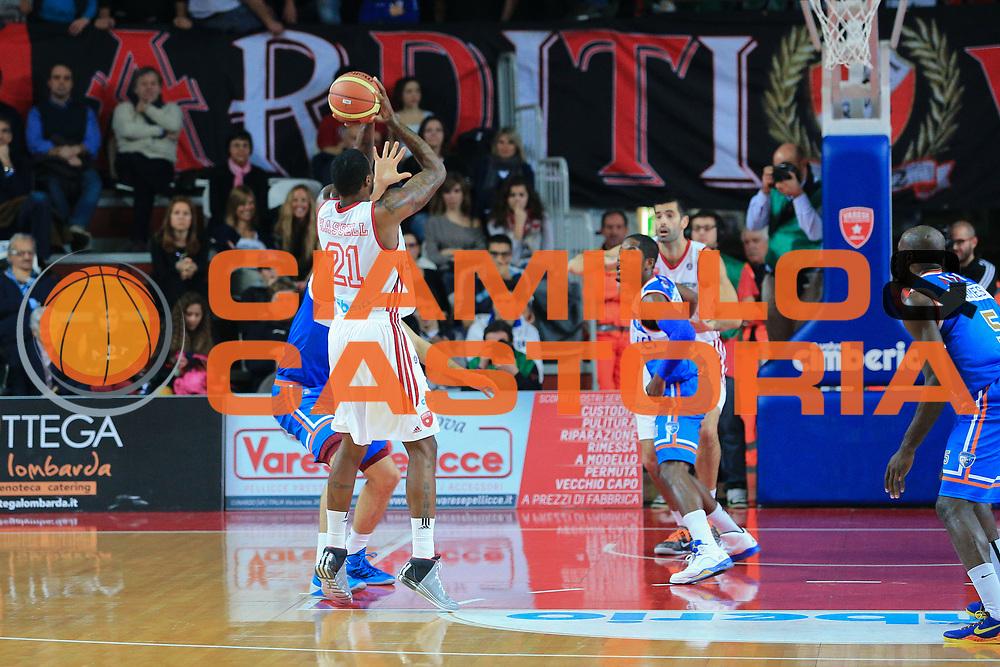 DESCRIZIONE : Varese Lega A 2012-13 Cimberio Varese Enel Brindisi <br /> GIOCATORE : Hassell Franklin<br /> CATEGORIA : Tiro<br /> SQUADRA : Cimberio Varese<br /> EVENTO : Campionato Lega A 2013-2014<br /> GARA : Cimberio Varese Enel Brindisi<br /> DATA : 17/11/2013<br /> SPORT : Pallacanestro <br /> AUTORE : Agenzia Ciamillo-Castoria/I.Mancini<br /> Galleria : Lega Basket A 2013-2014  <br /> Fotonotizia : Varese Lega A 2013-2014 Cimberio Varese Enel Brindisi<br /> Predefinita :