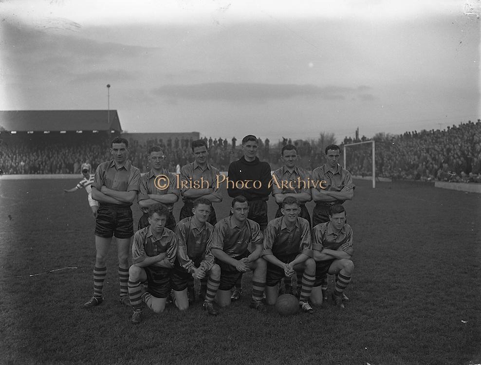 01/12/1957<br /> 01/12/1957<br /> 01 December 1957<br /> Soccer: Shamrock Rovers v Evergreen United at Glennmalure Park, Milltown, Dublin. The Evergreen team.