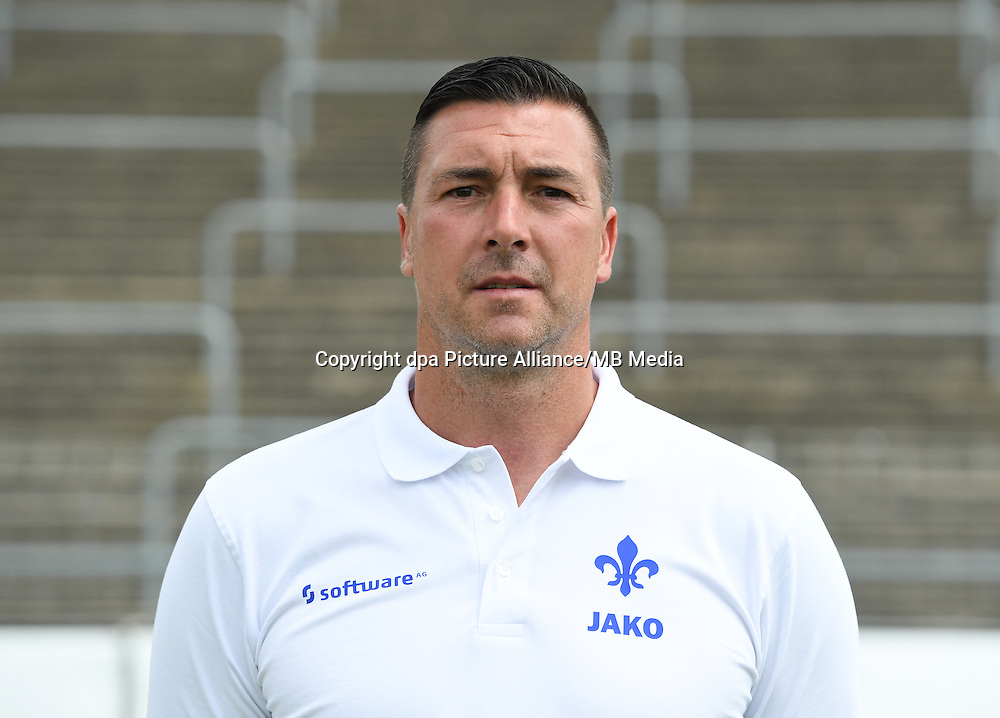 German Bundesliga - Season 2016/17 - Photocall SV Darmstadt 98 on 11 August 2016 in Darmstadt, Germany: Goalkeeping coach Dimo Wache. Photo: Arne Dedert/dpa | usage worldwide