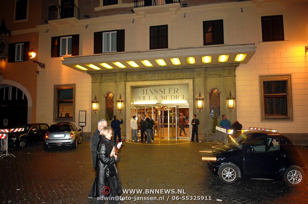ITA/Rome/20061117 - Huwelijk Tom Cruise en Katie Holmes, Hotel Hassler villa Medici