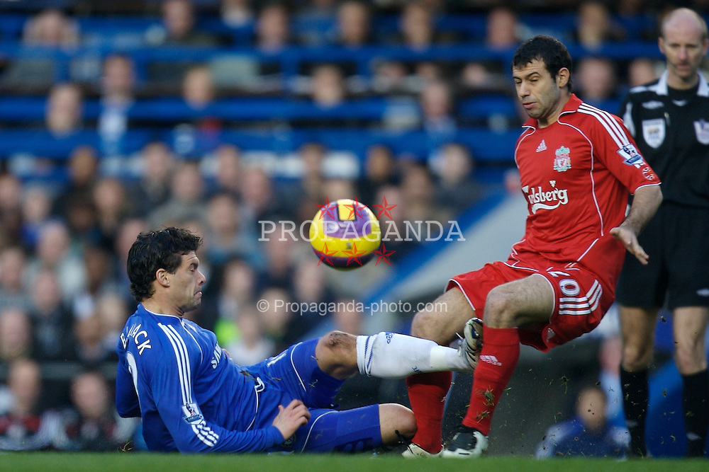 LONDON, ENGLAND - Sunday, February 10, 2008: Liverpool's Javier Mascherano and Chelsea's Michael Ballack during the Premiership match at Stamford Bridge. (Photo by David Rawcliffe/Propaganda)