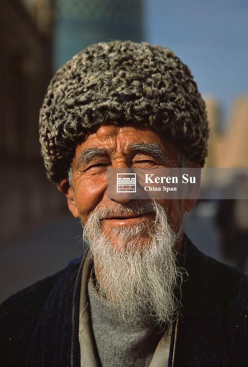 CA00427: Uzbek man, Khiva, Uzbekistan.CORBIS-SU006106