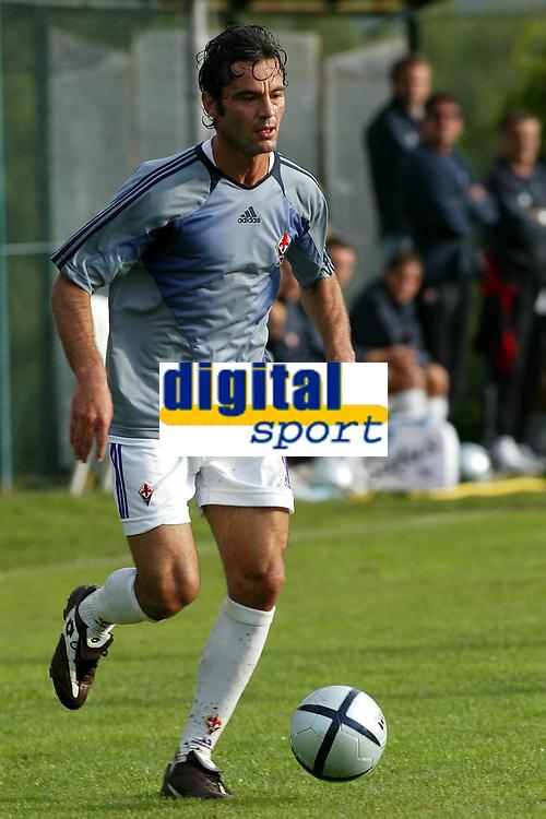 Fotball<br /> Italia<br /> Foto: Graffiti/Digitalsport<br /> NORWAY ONLY<br /> <br /> PERUGIA, NORCIA 08-08-2004<br /> TRIANGOLARE  CON FIORENTINA PRIMAVERA - ROSETANA - FIORENTINA<br /> <br /> Zisis VRYZAS Fiorentina
