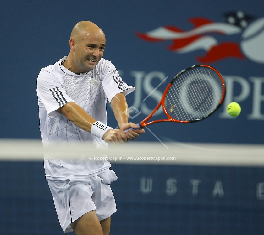 Andre Agassi at the 2006 US Open Monday, August 28, 2006.  Robert Caplin For The New York Times.....
