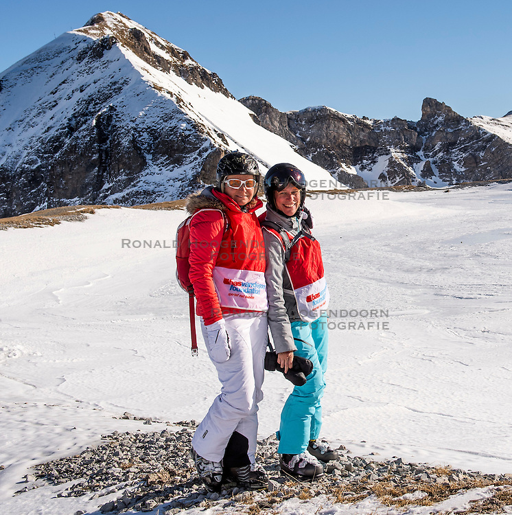 27-01-2017 AUT: BvdGF wintersportkamp dag 3, Obertauern<br /> Het 7de jaar wintersportkamp van de BvdGF is verhuisd naar Obertauern. Prachtige pistes, geweldig jeugdhotel en fantastisch weer maakt er weer een onvergetelijk kamp van / Ellen en Petra