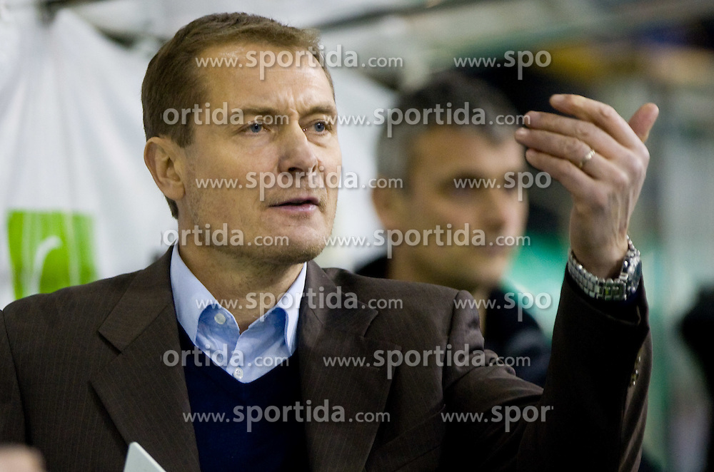 Head coach of Olimpija Hannu Jarvenpaa at ice-hockey match in 33rd Round of EBEL league between HDD Tilia Olimpija Ljubljana and EC KAC, Klagenfurt, on December 18, 2009, in Arena Tivoli, Ljubljana, Slovenia. Olimpija defeated KAC 4:2. (Photo by Vid Ponikvar / Sportida)