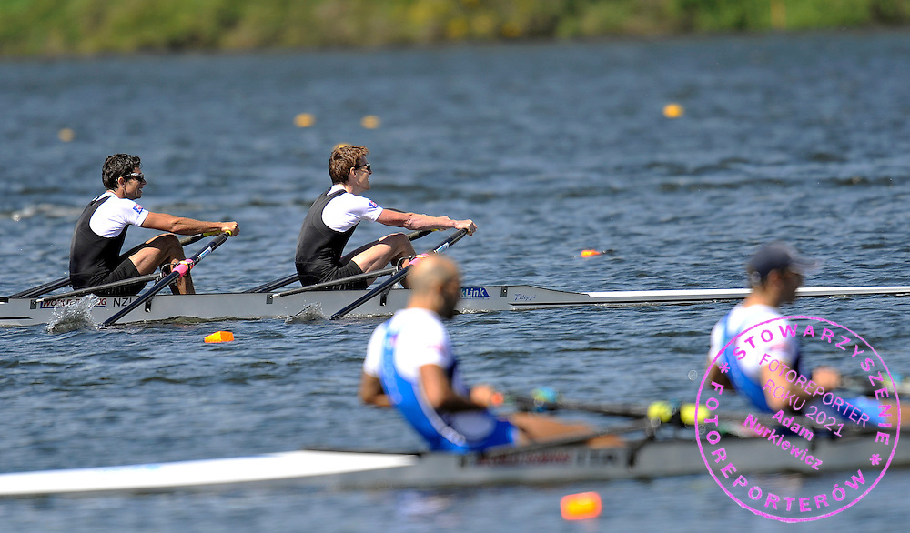 (BOW) STORM URU & (STROKE) PETER TAYLOR (BOTH NEW ZEALAND) COMPETE IN MEN'S LIGHTWEIGHT DOUBLE SCULLS FINAL A DURING REGATTA WORLD ROWING CHAMPIONSHIPS ON KARAPIRO LAKE IN NEW ZEALAND...NEW ZEALAND , KARAPIRO , NOVEMBER 05, 2010..( PHOTO BY ADAM NURKIEWICZ / MEDIASPORT )..PICTURE ALSO AVAIBLE IN RAW OR TIFF FORMAT ON SPECIAL REQUEST.