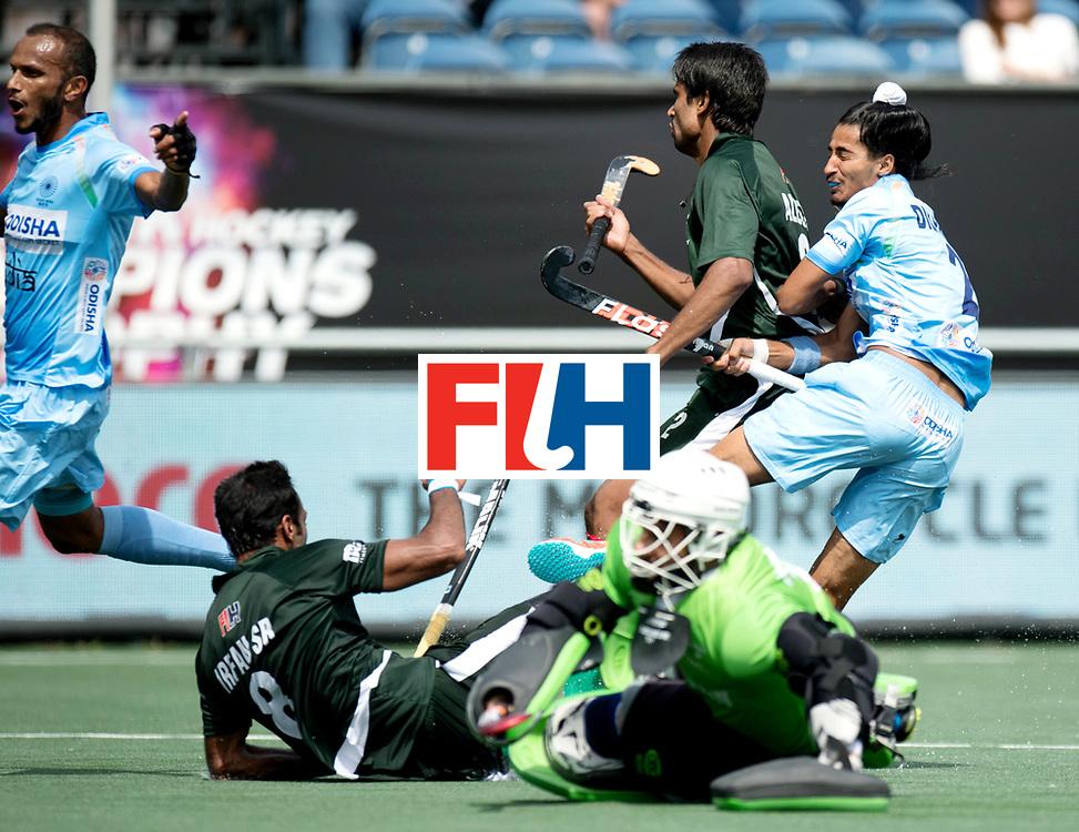 BREDA - Rabobank Hockey Champions Trophy<br /> India - Pakistan<br /> Photo: Dilpreet Singh.<br /> COPYRIGHT WORLDSPORTPICS FRANK UIJLENBROEK