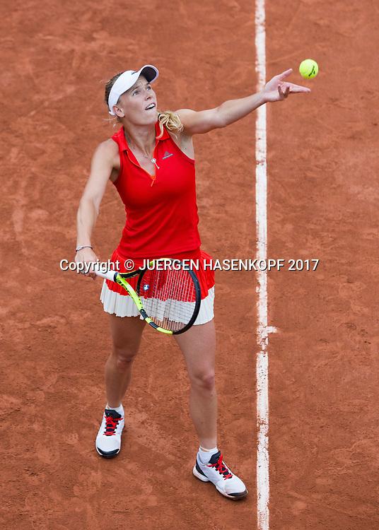 CAROLINE WOZNIACKI (DEN),Aufschlag,Ballwurf, von oben,<br /> <br /> Tennis - French Open 2017 - Grand Slam / ATP / WTA / ITF -  Roland Garros - Paris -  - France  - 3 June 2017.