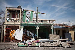 October 9, 2016 - Les Cayes, Haiti - A damaged house in town of Les Cayes, Haiti, on October 9, 2016.The number of people killed in Haiti by Hurricane Matthew hit 1,000 people on Sunday, as the country battled deaths from cholera and some authorities had to start burying the dead in mass graves. (Credit Image: © Bahare Khodabande/NurPhoto via ZUMA Press)