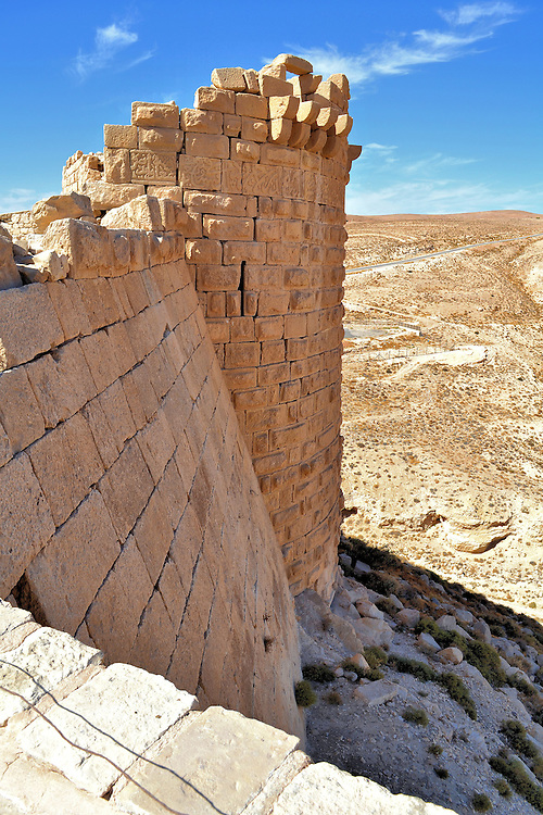 Montreal Crusader Castle Keep Overlooking Valley In Shoubak - Where is jordan located