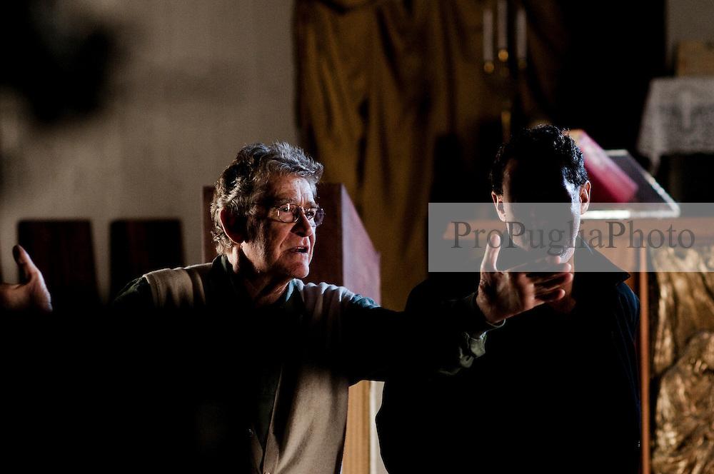 IL VILLAGGIO DI CARTONE. . BARI 26 OTTOBRE 2010