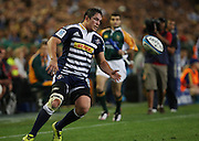 Francois Louw secures a ball that has been kicked down field during the Super Rugby (Super 15) fixture between the DHL Stormers and the Highlanders held at DHL Newlands Stadium in Cape Town, South Africa on 11 March 2011. Photo by Jacques Rossouw/SPORTZPICS