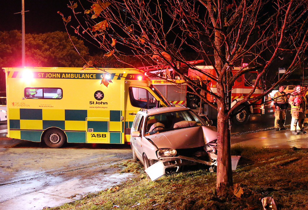 Emergency services attend a fatal acccident on Great North Road, Glen Eden, Auckland, New Zealand, Friday, July 03, 2015. Credit:SNPA / Hayden Woodward