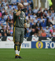 Photo: Lee Earle.<br /> Reading v West Ham United. The FA Barclays Premiership. 01/09/2007.Reading keeper Marcus Hahnemann looks dejected.