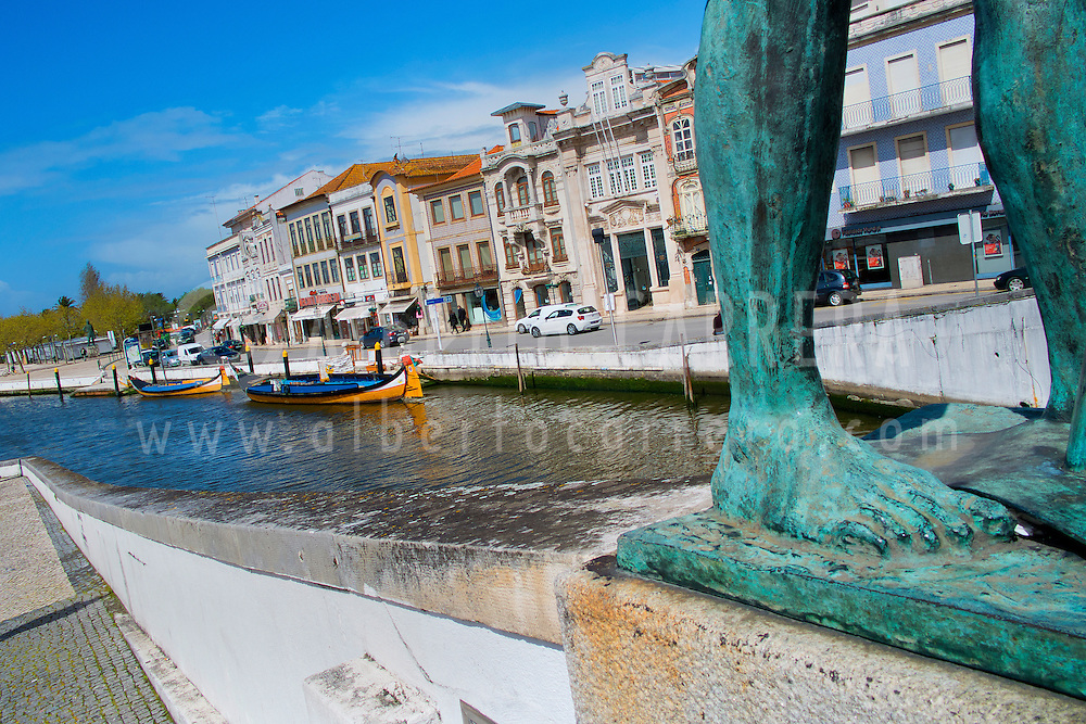 Alberto Carrera, Staute da Salineira, Central Channel, Channels of Lagoon, Ria de Aveiro, Aveiro, Portugal, Europe