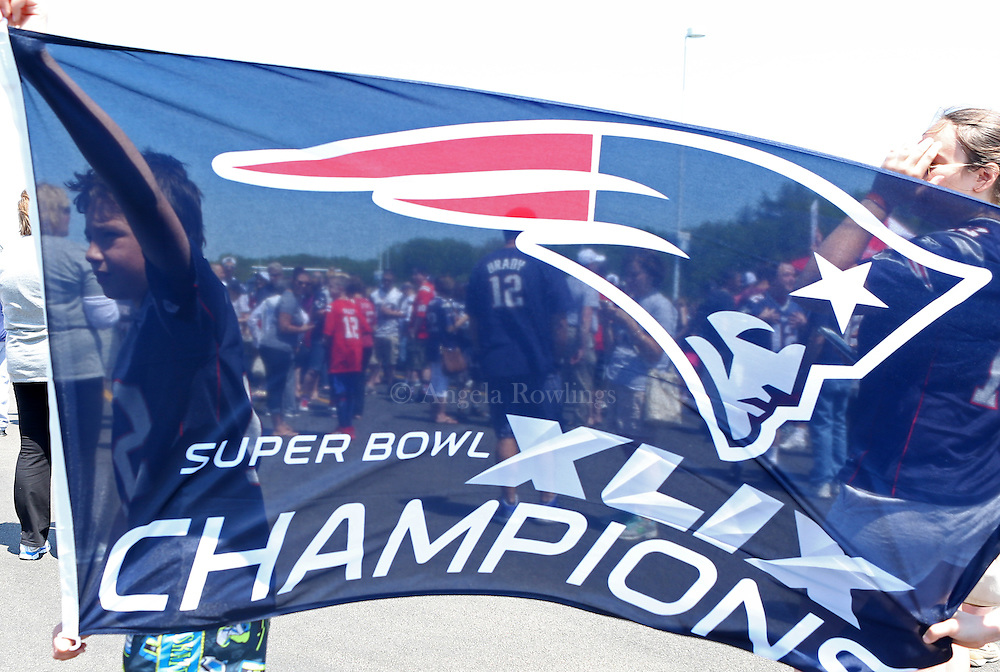 "(Foxboro, MA - 5/24/15) ""Free Tom Brady"" rally at Gillette Stadium, Sunday, May 24, 2015. Staff photo by Angela Rowlings."