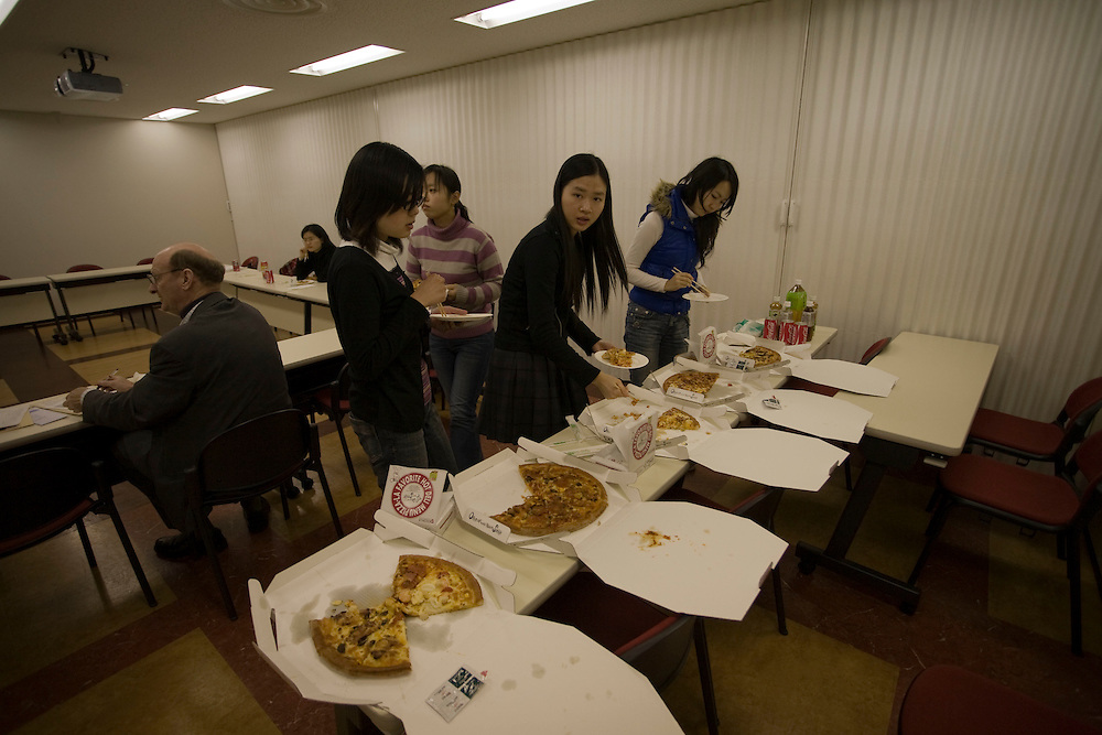 Waseda  University Pizza Lunch with Dean Snowden an frequent informal lunchtime meeting with  a few students to discuss  school issues.