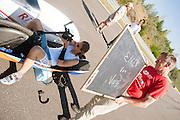 Ellen van Vugt zit klaar voor haar uurrecordpoging. In Duitsland worden op de Dekrabaan bij Schipkau recordpogingen gedaan met speciale ligfietsen tijdens een speciaal recordweekend.<br /> <br /> Ellen van Vugt is ready for her record attempt. In Germany at the Dekra track near Schipkau cyclists try to set new speed records with special recumbents bikes at a special record weekend.
