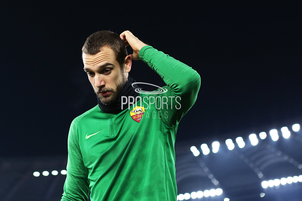 Roma goalkeeper Pau Lopez at the end of the warm up before the UEFA Europa League, Group J football match between AS Roma and Wolfsberg AC on December 12, 2019 at Stadio Olimpico in Rome, Italy - Photo Federico Proietti / ProSportsImages / DPPI
