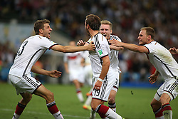 13.07.2014, Maracana, Rio de Janeiro, BRA, FIFA WM, Deutschland vs Argentinien, Finale, im Bild Mario Goetze (GER) bejubelt seinen Treffer zum 1:0 Endstand.Links Thomas Mueller (GER) // during Final match between Germany and Argentina of the FIFA Worldcup Brazil 2014 at the Maracana in Rio de Janeiro, Brazil on 2014/07/13. EXPA Pictures © 2014, PhotoCredit: EXPA/ Eibner-Pressefoto/ Cezaro<br /> <br /> *****ATTENTION - OUT of GER*****