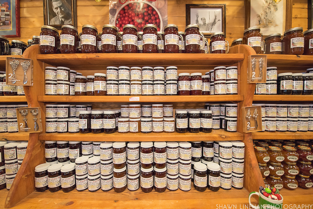 Misty Meadows Jams is a cute jam and sourvenir stop along HWY 101 in southern Oregon near Bandon, OR. It specializes in popular Oregon berry and unusual flavors of jam.