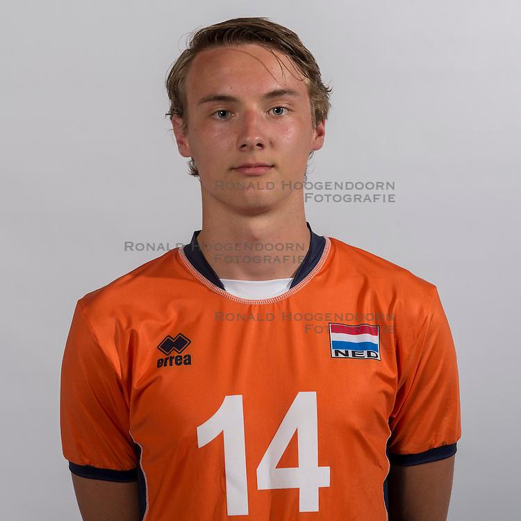 07-06-2016 NED: Jeugd Oranje jongens <1999, Arnhem<br /> Photoshoot met de jongens uit jeugd Oranje die na 1 januari 1999 geboren zijn / Jens de Hoogh PL