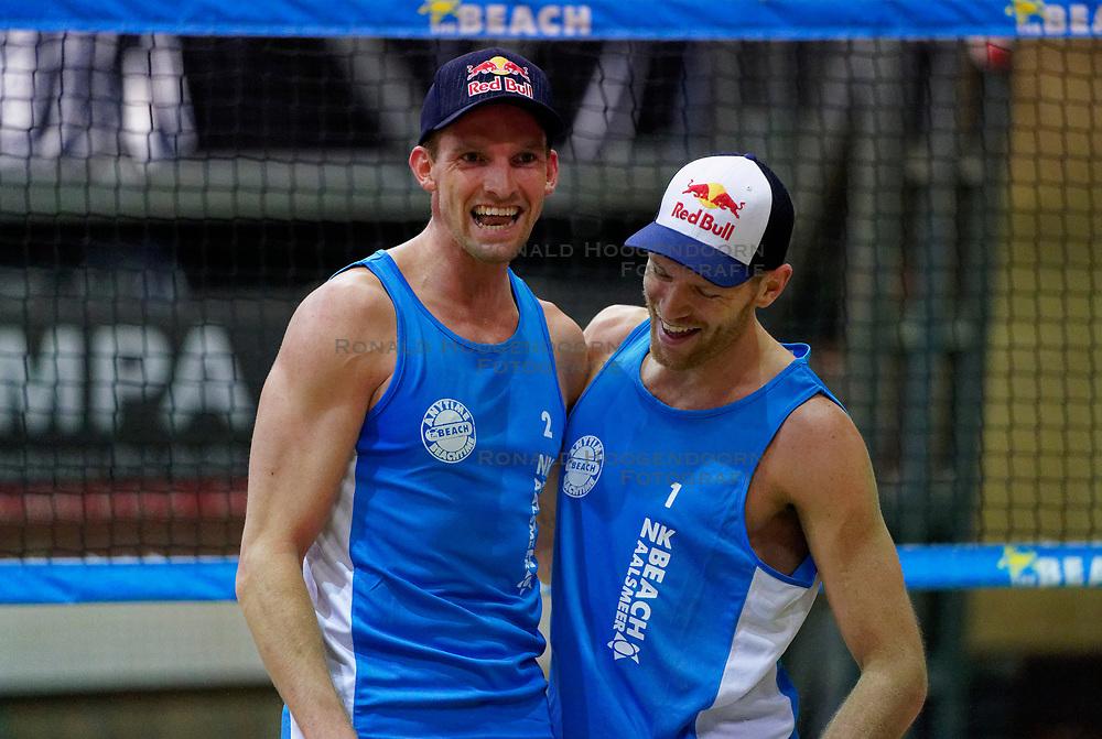 04-01-2020 NED: NK Beach volleyball Indoor, Aalsmeer<br /> Robert Meeuwsen #2, Alexander Brouwer #1